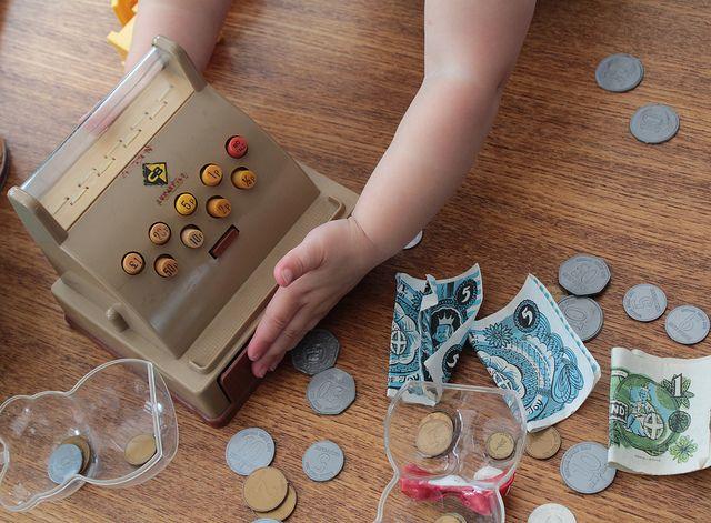 Educar niños dinero