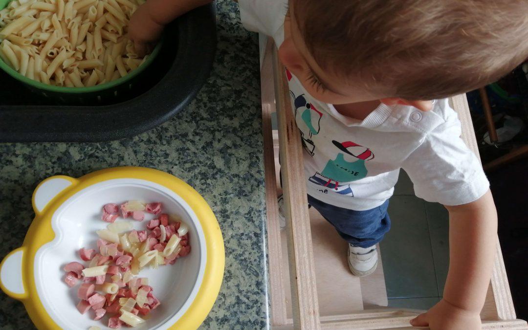 ¿Cómo «Montessorizar» tu cocina? Aprende actividades para hacer desde los 12 meses