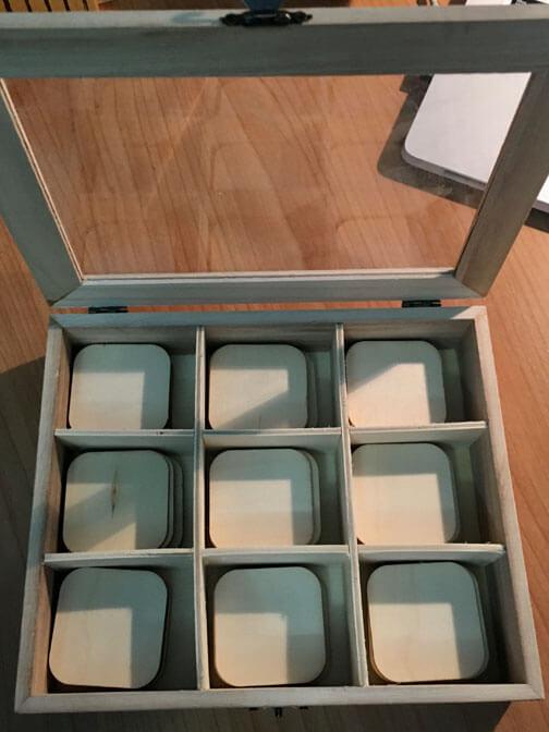 Caja de Color Montessori Número 3 en bruto con tablillas sin pintar