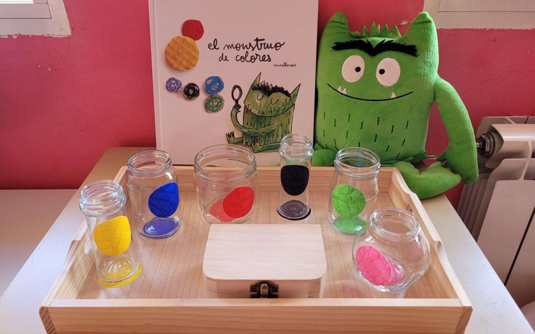 Adaptación de la bandeja de trasvases Montessori con el cuento El monstruo de Colores