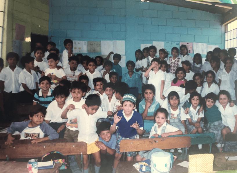 Niños en un aula en Guatemala. Magda fue maestra de primer y segundo ciclo.