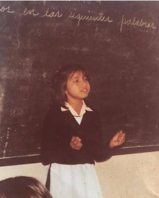 Foto de Magda cuando era alumna de la escuela